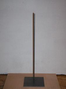Metalen pin met voet 30cm hoog, voet 10x10cm art. PAV043